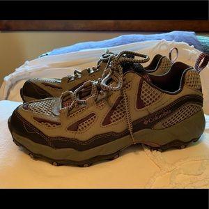 COLUMBIA Storm Athletic Hiking Sneaker Sz 7
